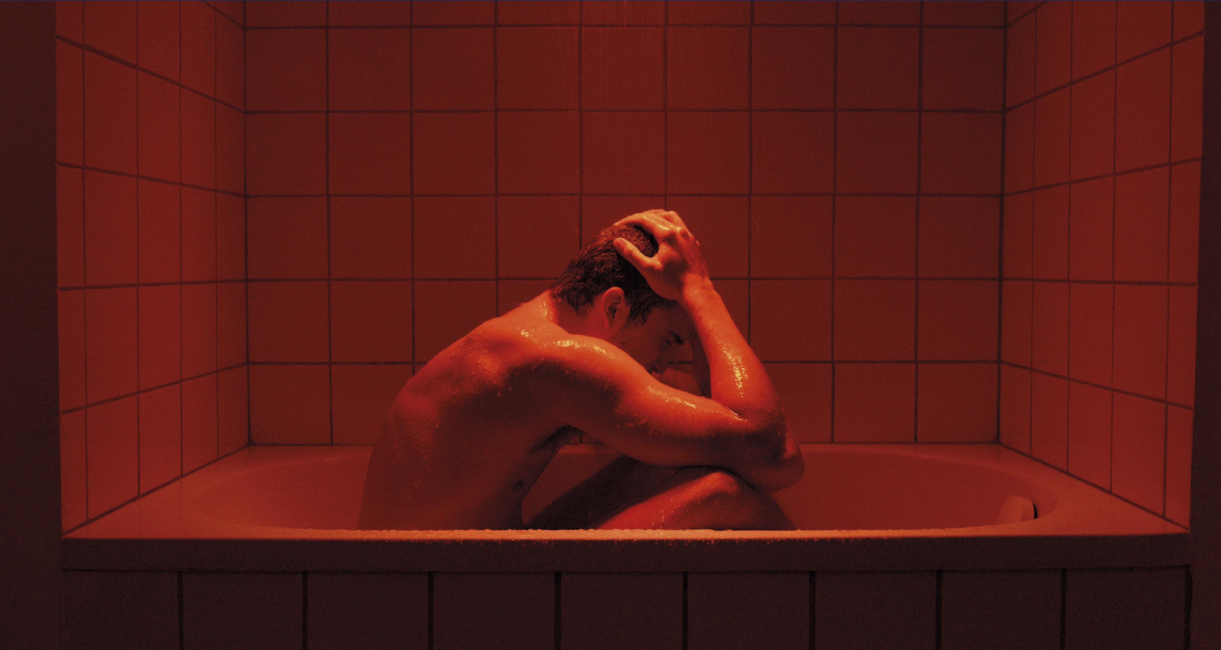 Gaspar Noé se voit interdire son film Love aux...
